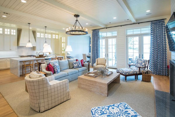craftsman style lake house living room